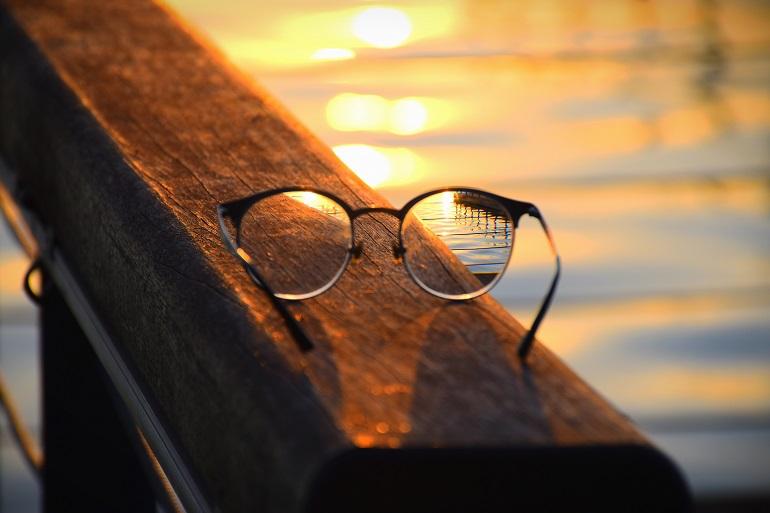 cum ai grija de ramele ochelarilor